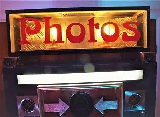 DJ Gavin Vaclavik www,mydiscohire.co.uk vintage shabby chic photo booth