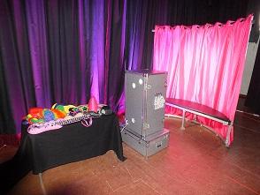 DJ Gavin Vaclavik cube photo booth set up